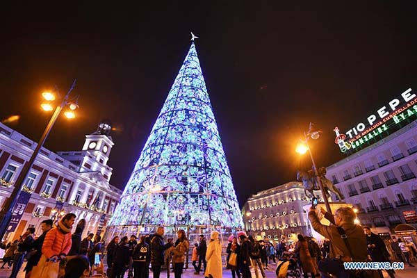 Christmas in World's Most Beautiful Cities - 17