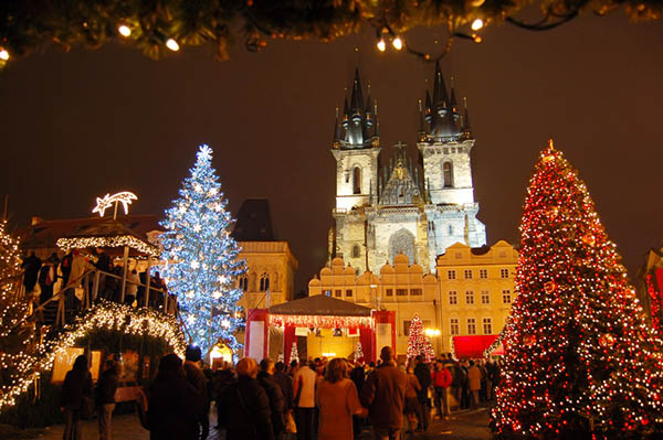 Christmas in World's Most Beautiful Cities - 32