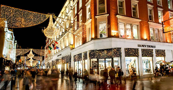 Christmas in World's Most Beautiful Cities - 36