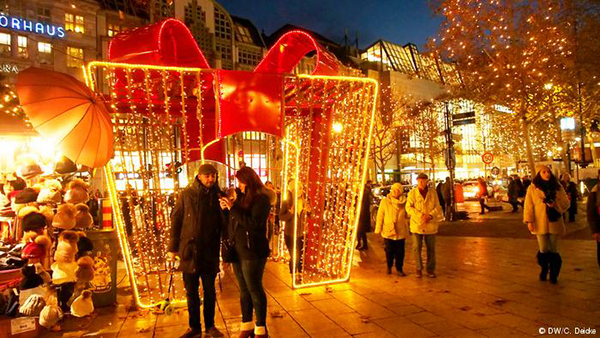 Christmas in World's Most Beautiful Cities - 4