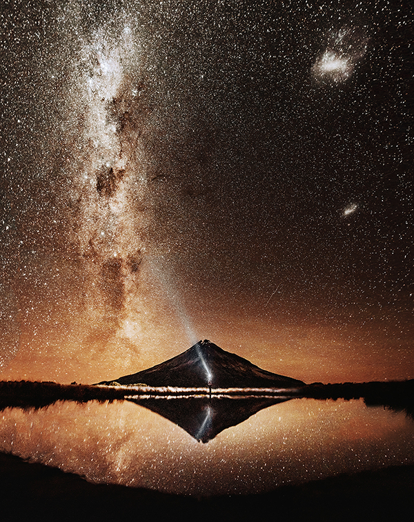 Night Landscape in New Zealand Photography by Florian Wenzel
