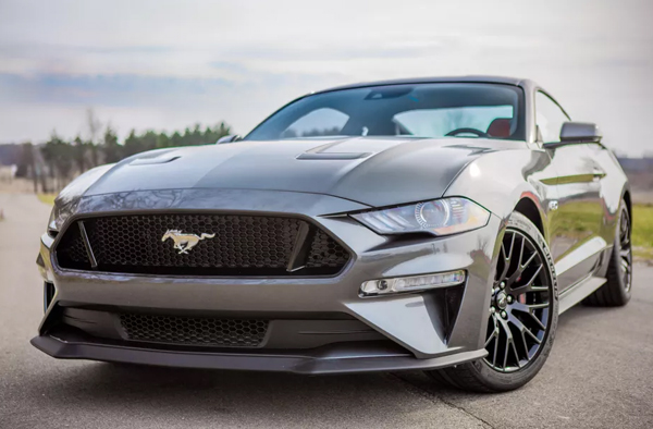 Ford Mustang Photo - 1